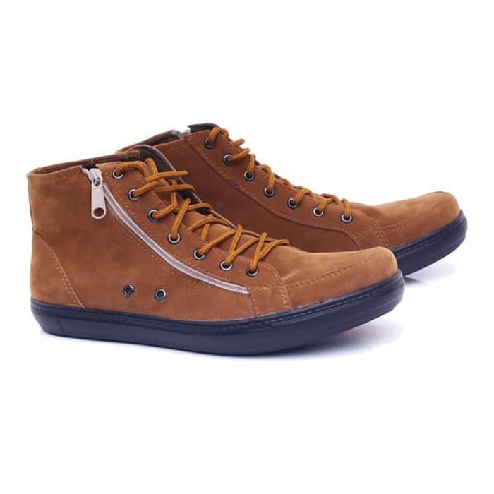 Sepatu laki-laki/Sepatu Pria Sneakers Skate Boot Sepatu Cowok Keren model terbaru keluaran terbaru kualitas bagus harga murah warna coklat