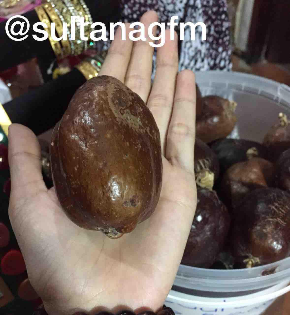 Fruity Rainbow Soap 10 in 1 Whitening Soap Fruitamin Original Sabun Pemutih Badan BPOM - 1Pc. Rp13.500. Rp58.000 -77%. (239). DKI Jakarta. Buah zuriat