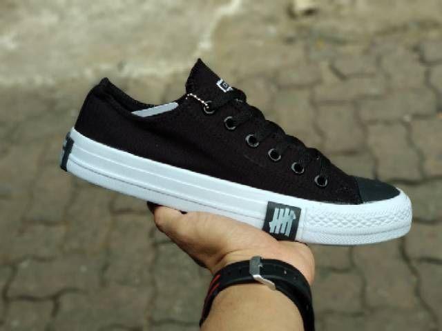 Sneakers Pria Sneakers Wanita Terbaru Black White Converse