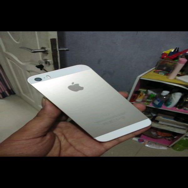 iphone 5s 16gb gold fullset second hp murah gahar kamera jernih murah normal