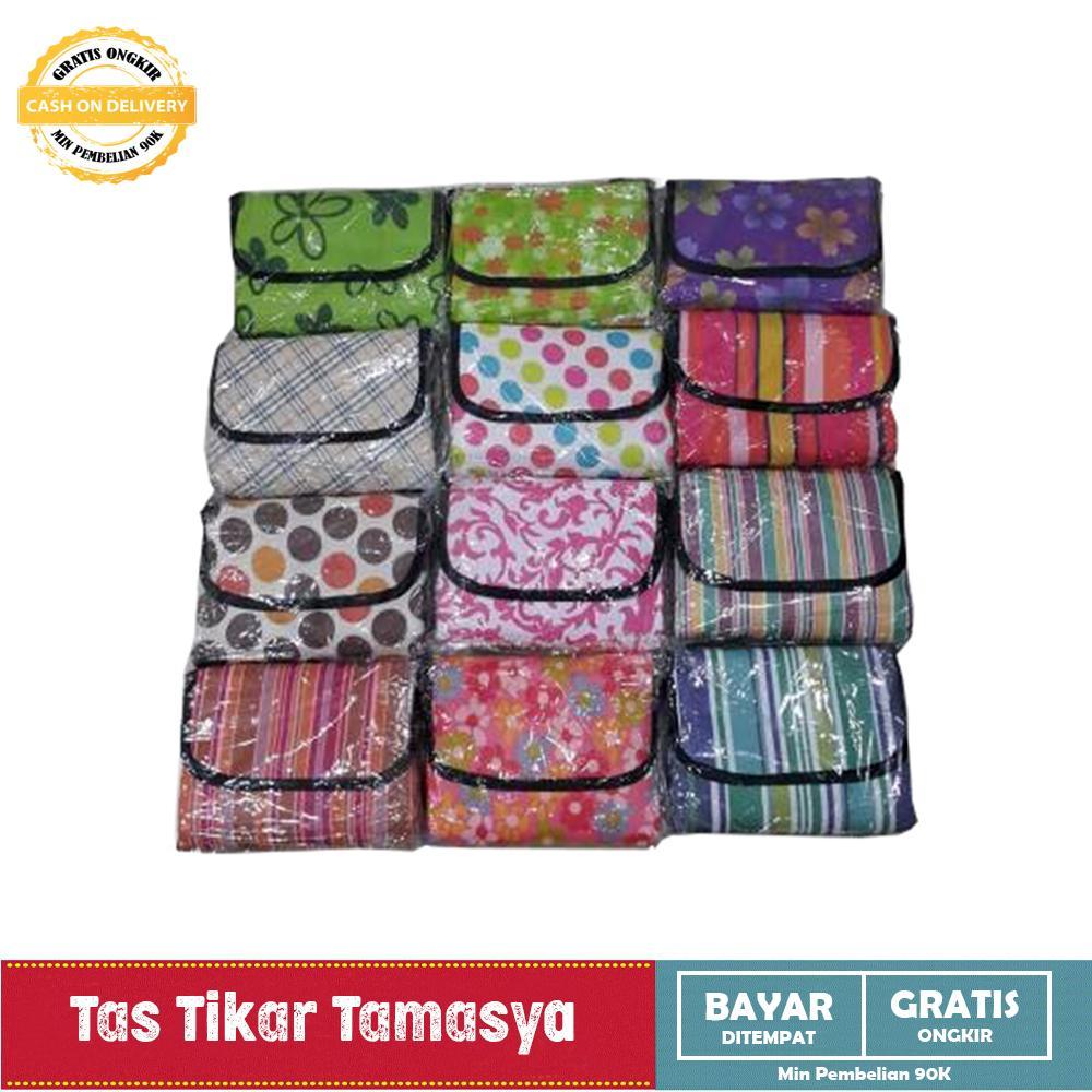 Tikar Tamasya Piknik Lipat Karpet Outdoor Perlengkapan Rekreasi Mudah Kemas Tas Tikar Bahan Nylon Fleece Fabric Waterproof - Random By Perabot Store.