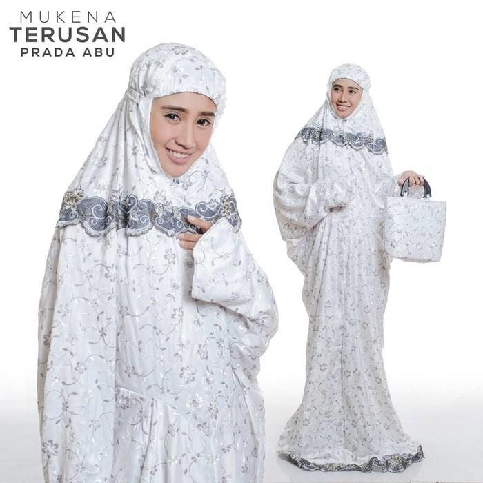 Pusat Mukena Indonesia Tasikmalaya Mukena mewah / Mukena dewasa / Mukena bali / Mukenah / Mukena katun jepang / Mukenah Wanita / Mukena Putih / Mukenah Murah / Mukenah Jumbo / Mukenah Remaja / Mukenah Dewasa Semi Sutra Terusan Prada Abu