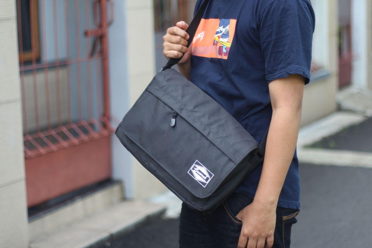 Tote Bag Pria wanita - Tas Slempang Pria Tas Ransel Backpage Original B A E  - tas Backpacker 41c61f6b38