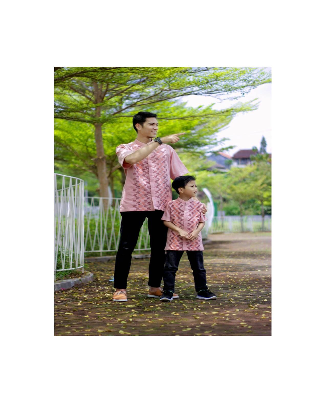 Koko Anak Couple Ayah Muslim Bapak Katun Umur 7 8 9 10 11 12 Tahun SD
