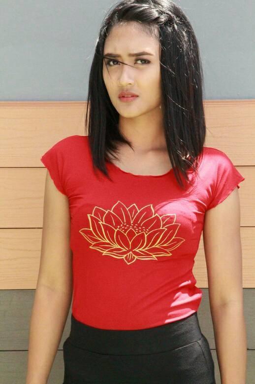 Baju Kaos Senam Yoga Lotus Berlengan Merah