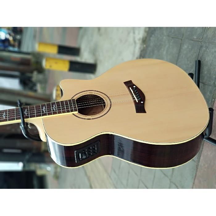 Gitar Akustik elektrik Taylor Fishman Blend