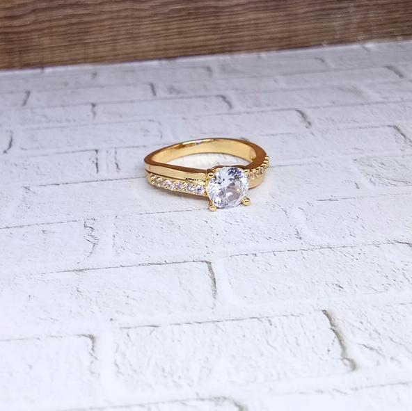 Cincin Xuping Perhiasan Wanita Permata Satu Kecil Gold - Xuping Gold