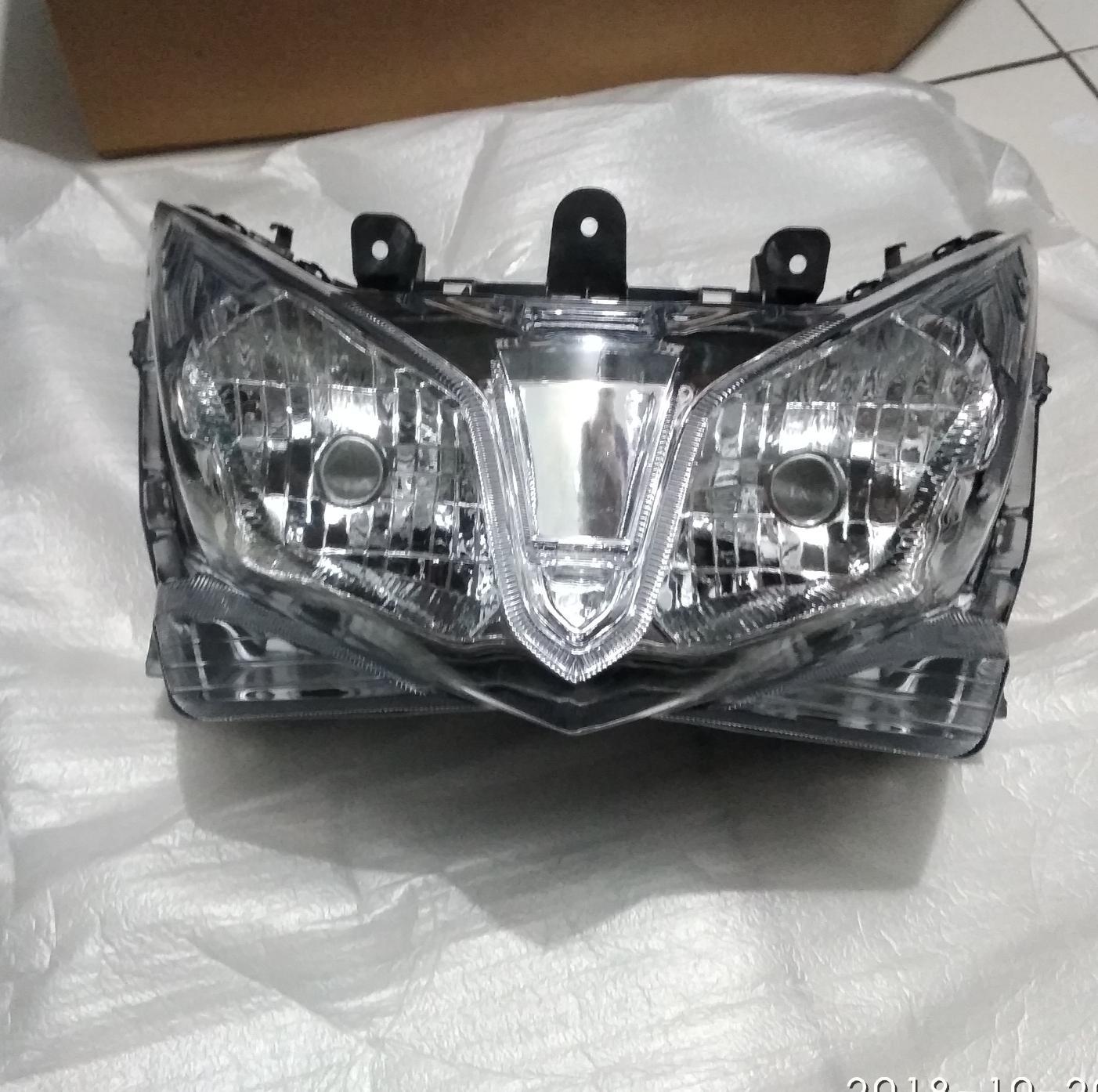 Reflektor lampu depan Vario lama 125
