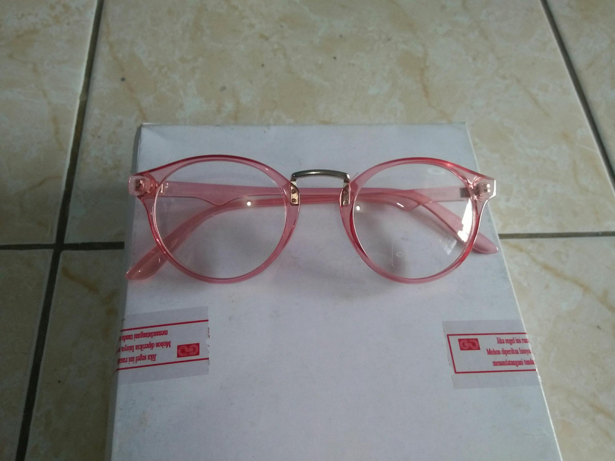 Promo Kacamata Fashion Bulat Oval Pink Gaya Trendy Ye903 - Daftar ... 73ff804f8a