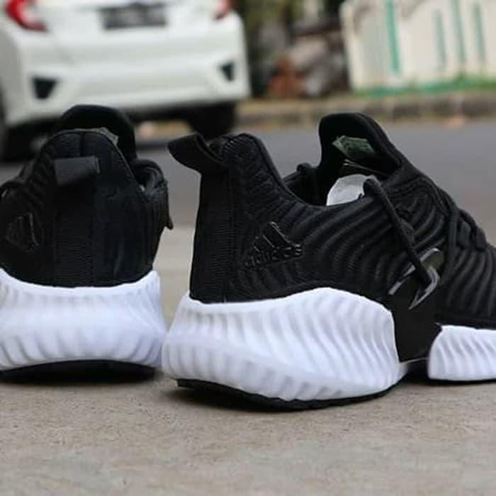 Sepatu Adidas instinct (size 39-44) - POTONGAN HARGA
