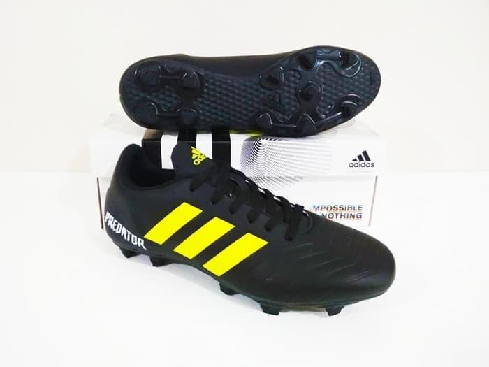 Sepatu Sepak Bola Predator 18 FG (Black Yellow)