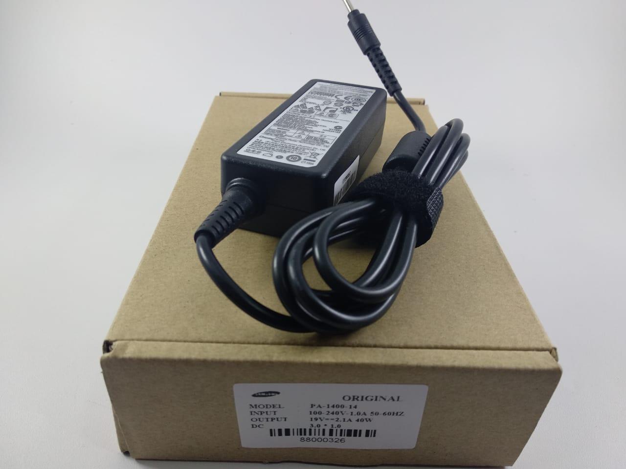 SAMSUNG ORI Adaptor Charger Laptop Samsung 19v 2.1A 40W (3.0mm * 0.7mm)  Colokan kecil Samsung Series 5 Samsung Series 3 305U1A-A01