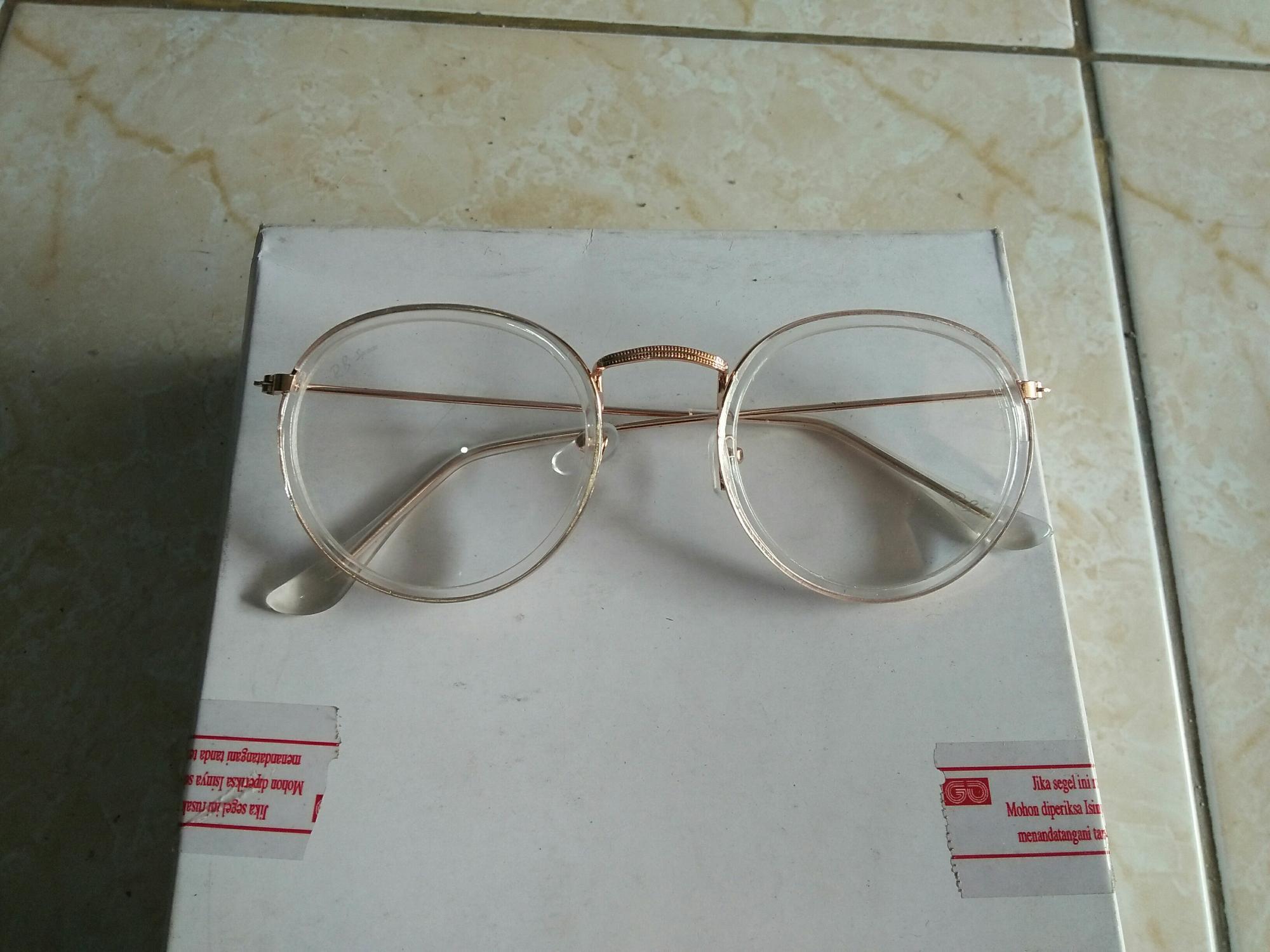 Kacamata fashion bulat oval putih list gold trendy YE903