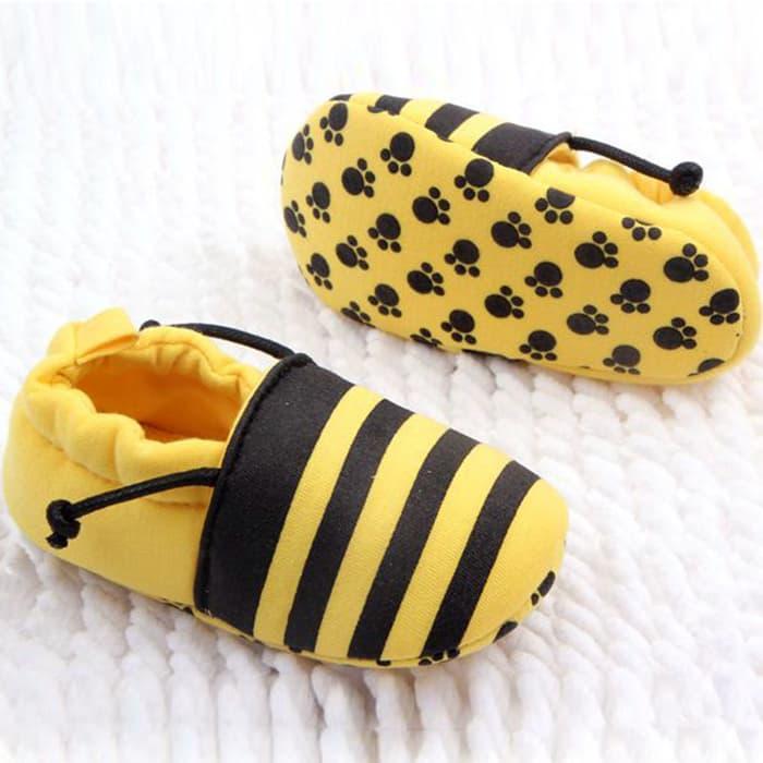 Rp 101.000. PROMO PALING MURAH Sepatu Prewalker Untuk Bayi Laki & Perempuan Motif Lebah TERLARISIDR101000