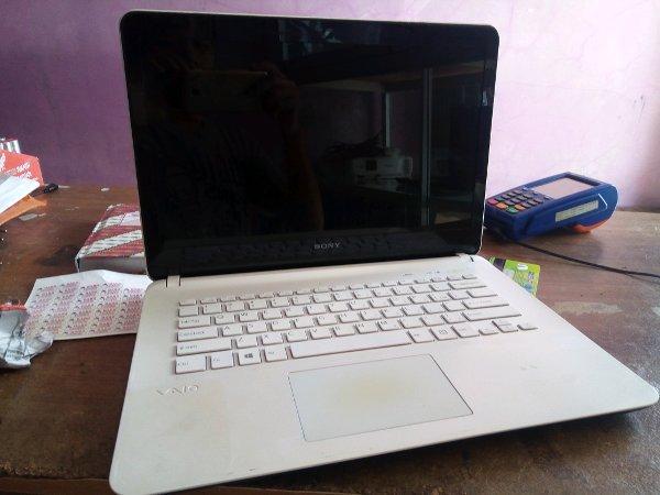Lapto Sony Vaio SVF14 Core.i3 Ivy Gen3