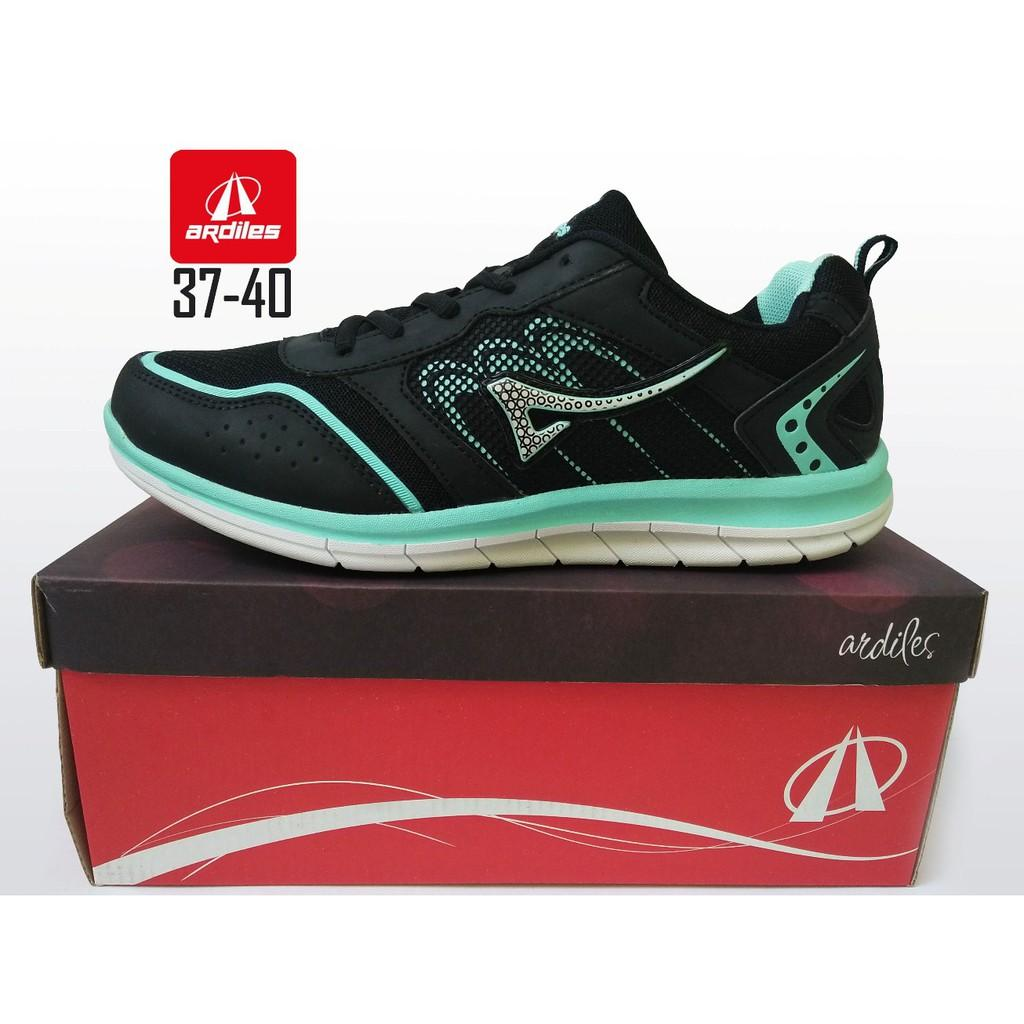 Ardiles Men La Cabra Futsal Shoes Hitam Daftar Harga Terbaru Biglio Sepatu Putih Emas 43 Mamamo Sport Perempuan Ringan Running Variasi 37