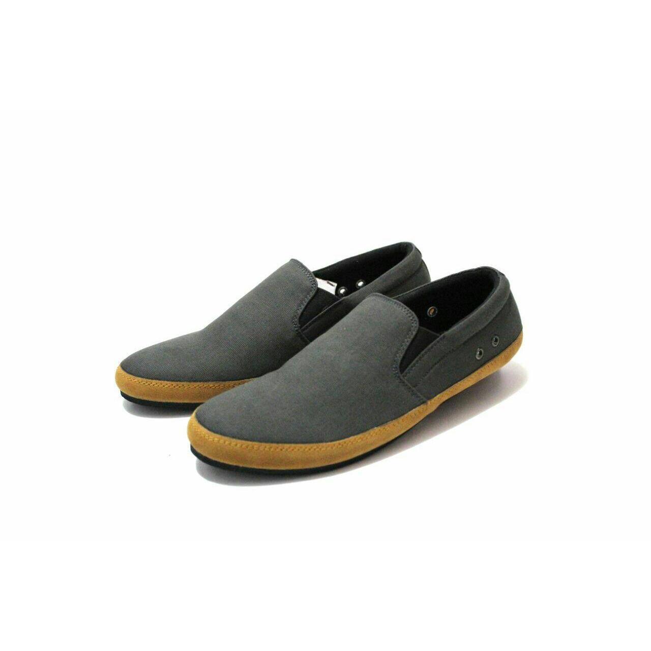 Louis Visto sepatu pria formal kulit asli model LV 206 Black. Source .