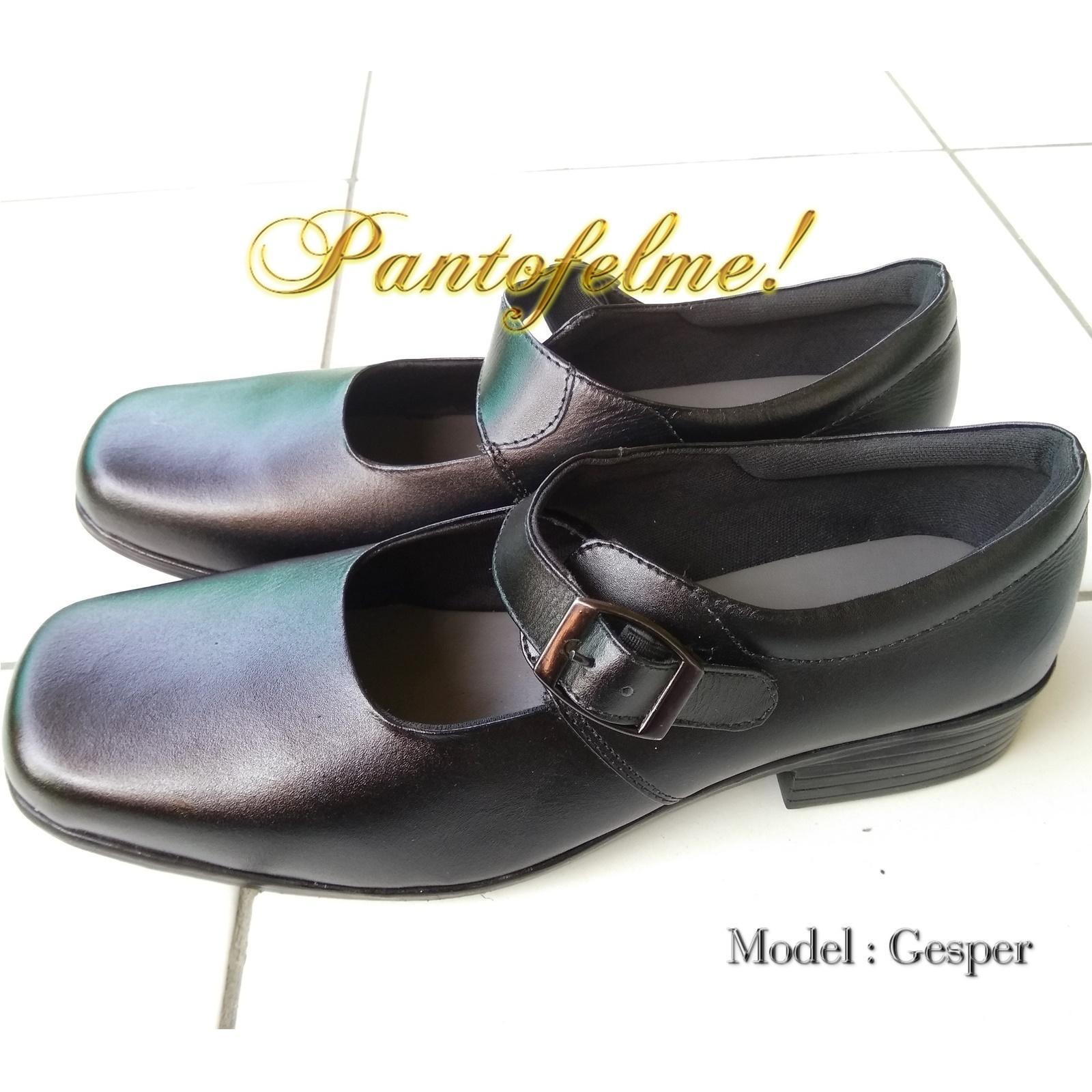 Sepatu Sekolah Wanita Kulit Asli - Sepatu Kantor Pantofel Kulit Asli Hitam  - 10KP 77264fc899