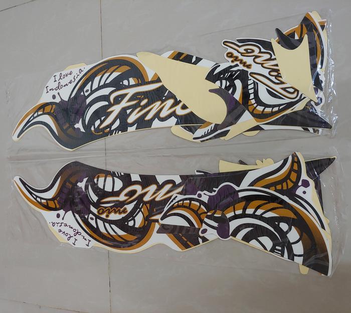 Stiker Bodi & Lis Body & Striping Fino 2013 Putih Batik