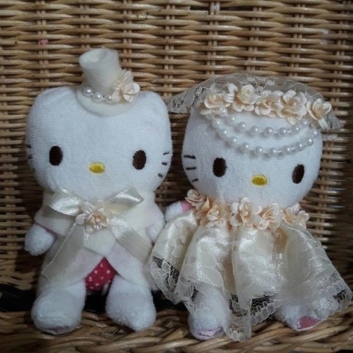 boneka hello kitty wedding cream hiasan pajangan kamar pengantin 5601