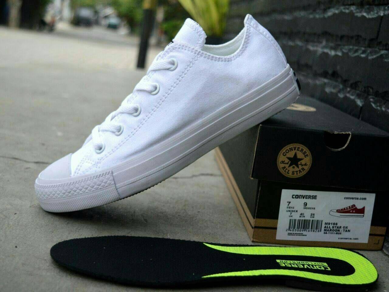 Sepatu Converse Gaya kasual Terkini terbaru slip on boots vans pantofel kanvas BERKWALITAS Putih
