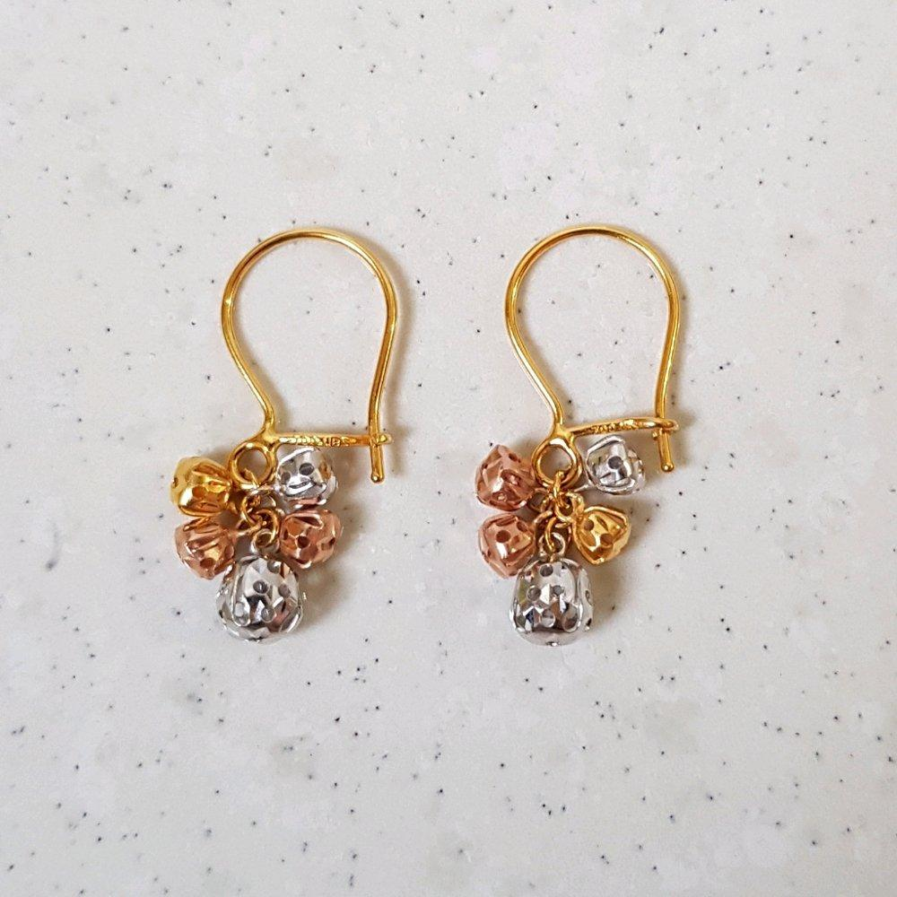 New Model Anting Emas Asli Kadar 700 Anting Anggur / Perhiasan Emas Wanita / Gold Dangle Earrings