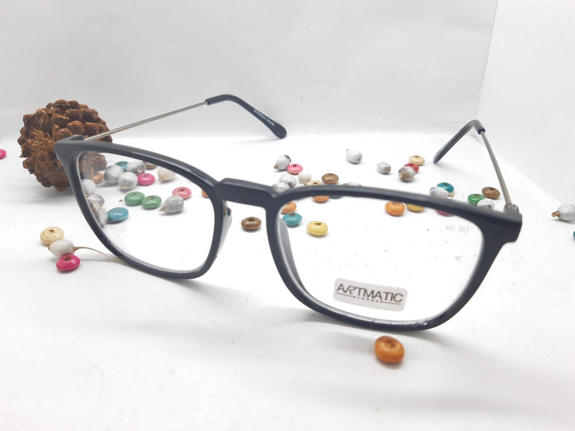 Kacamata Baca Plus By Laris Tanah Abang.