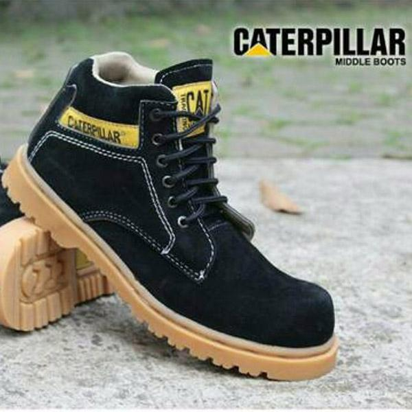 Sepatu pria caterpillar safety shoes caterpilar midle boot sepatu  caterpillar sepatu boot caterpillar boot midle hitam 5bd6643010