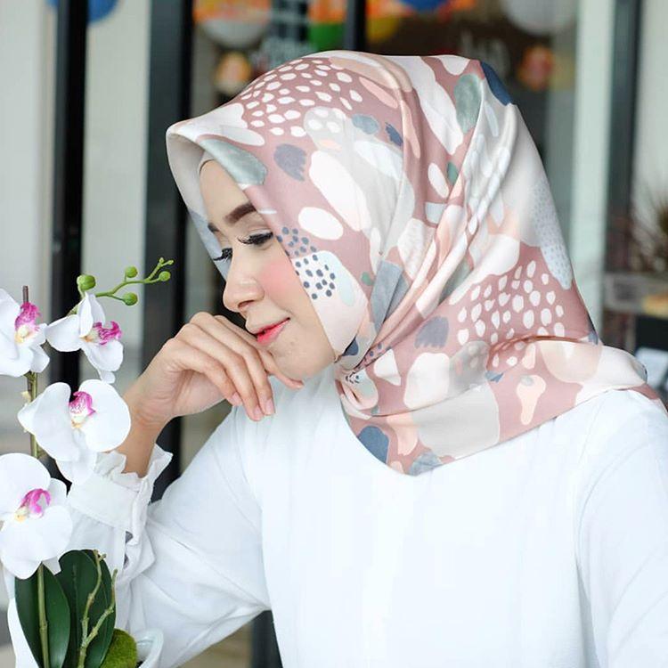 cf6b2ebb088f40e04eef9f97c535ddf9 Inilah Daftar Harga Dress Muslim Jaman Sekarang Paling Baru saat ini