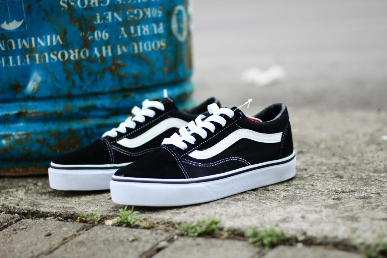 Jual Sepatu Vans (Pria)  4863e9cff3