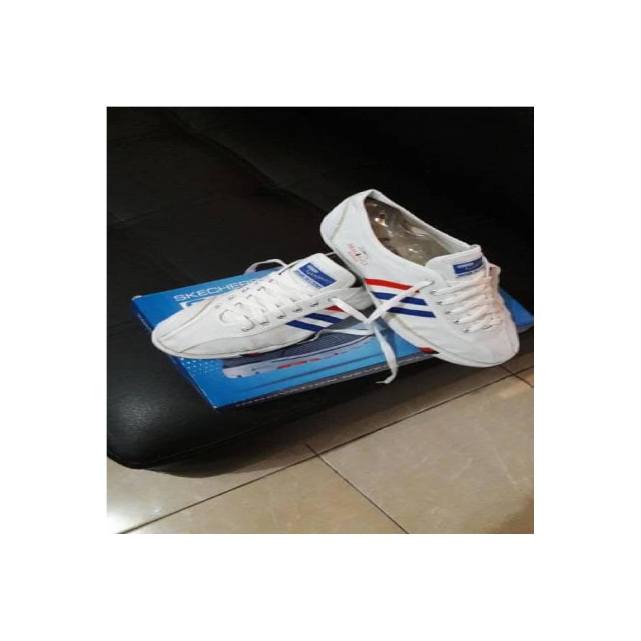 TERBARU Sepatu Capung Putih merk Dragonfly LARIS MANIS