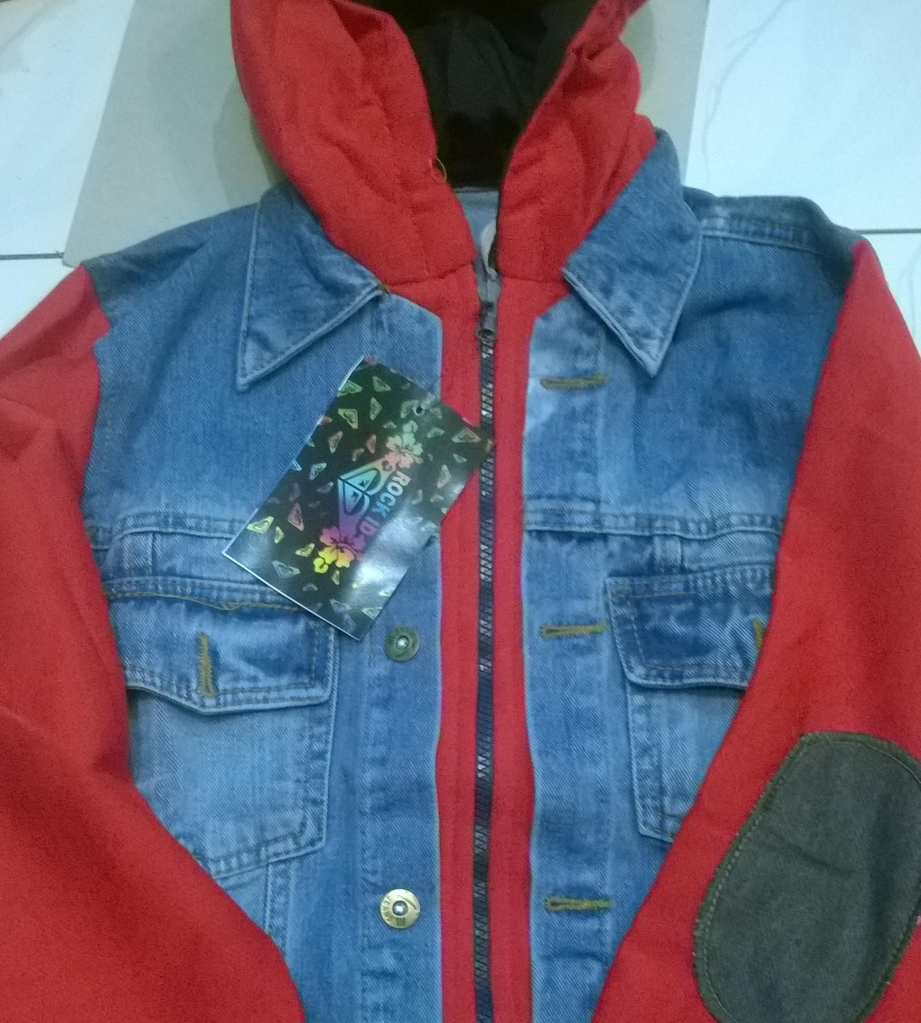 Jaket levis jeans denim dengan hoodie size M,L