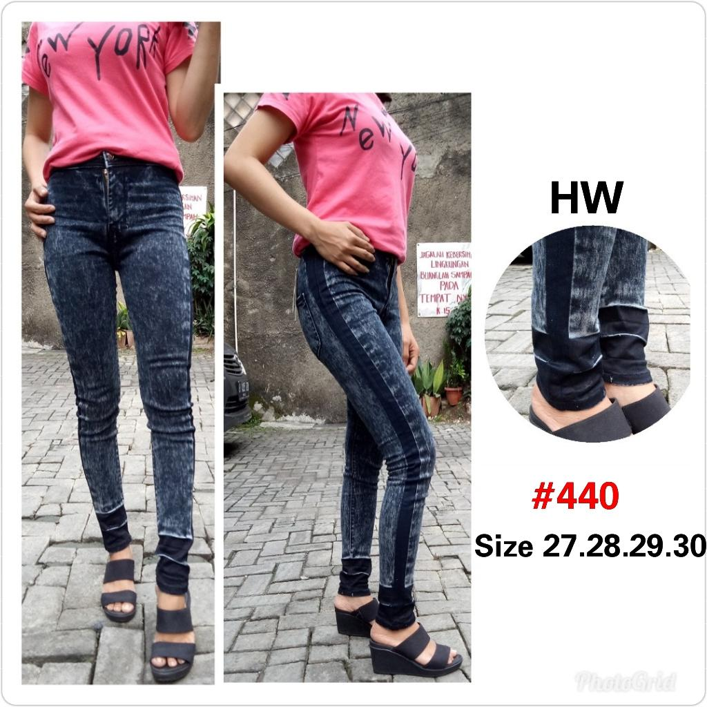 BNTG-Celana Jeans Wanita Haigh Waist Kancing Lima Motif.