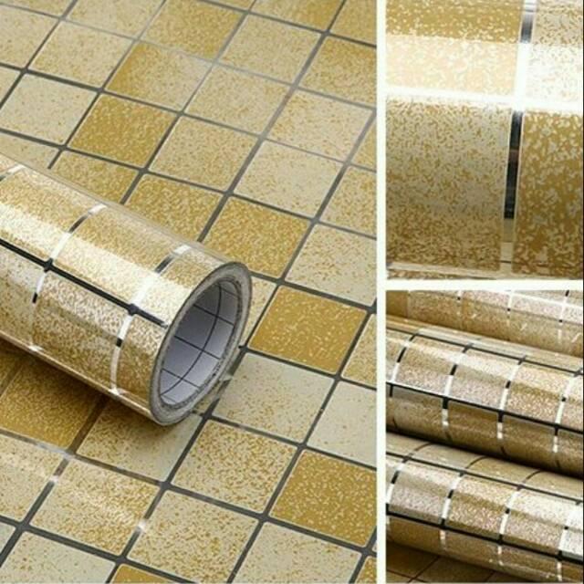 Wallpaper Sticker Dapur Dan R Mandi Anti Minyak Bahan Alumunium Foil 5 M X