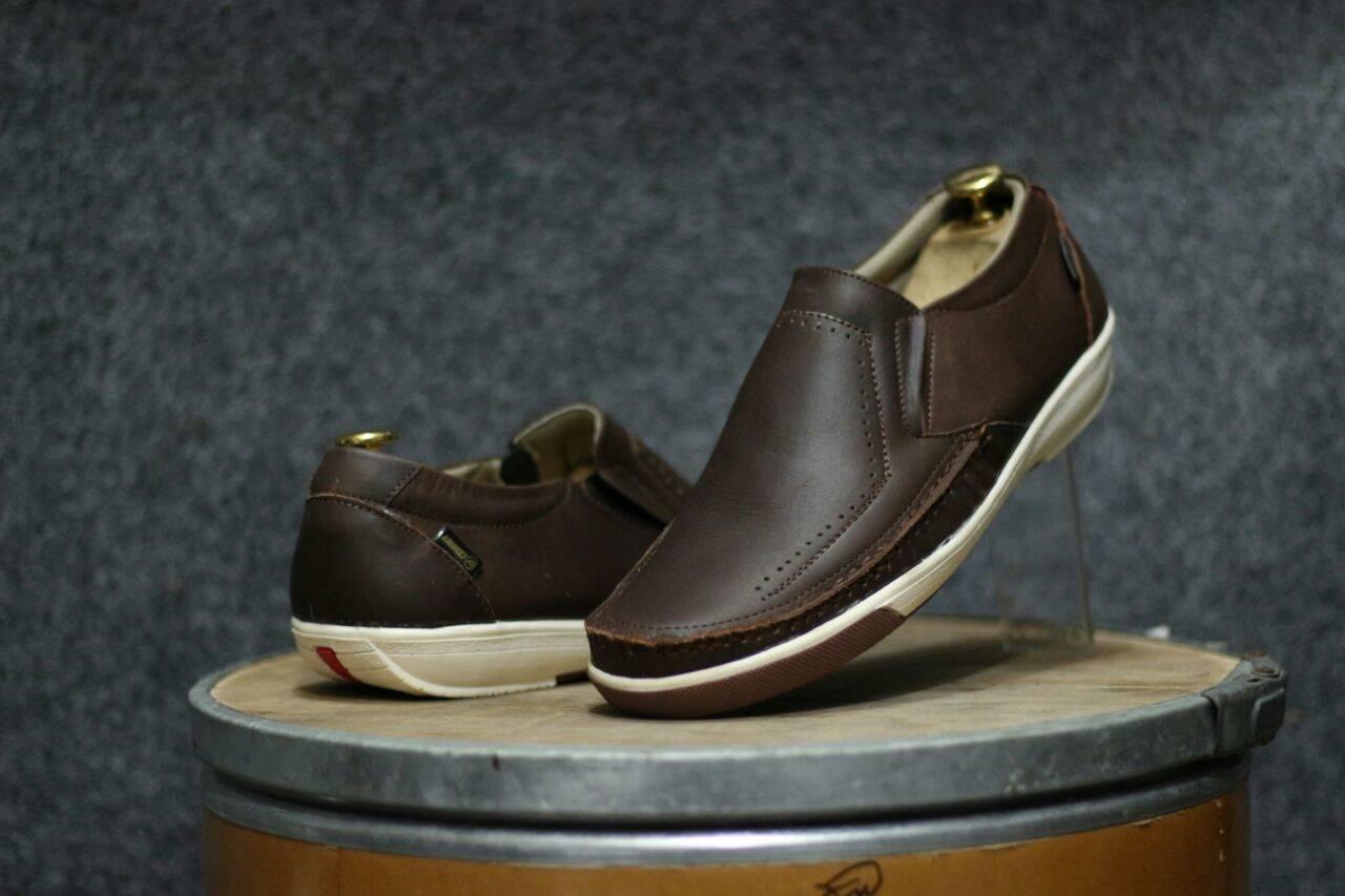 EU39-44 Sepatu Olahraga Ukuran Standar Pria Berkualitas Tinggi Sepatu Daki Gunung Super Bernapas Sepatu