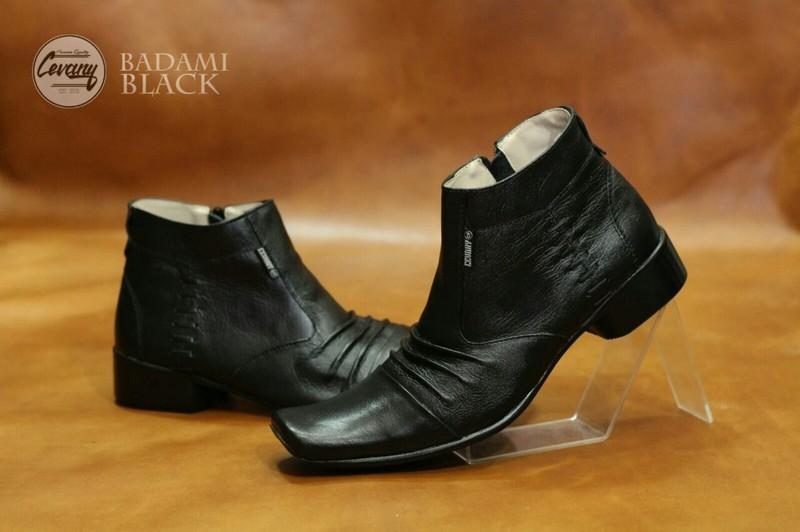 sepatu formal pantofel pria pantopel kantor dinas kulit asli warna hitam coklat dan tanIDR325000. Rp 346.680