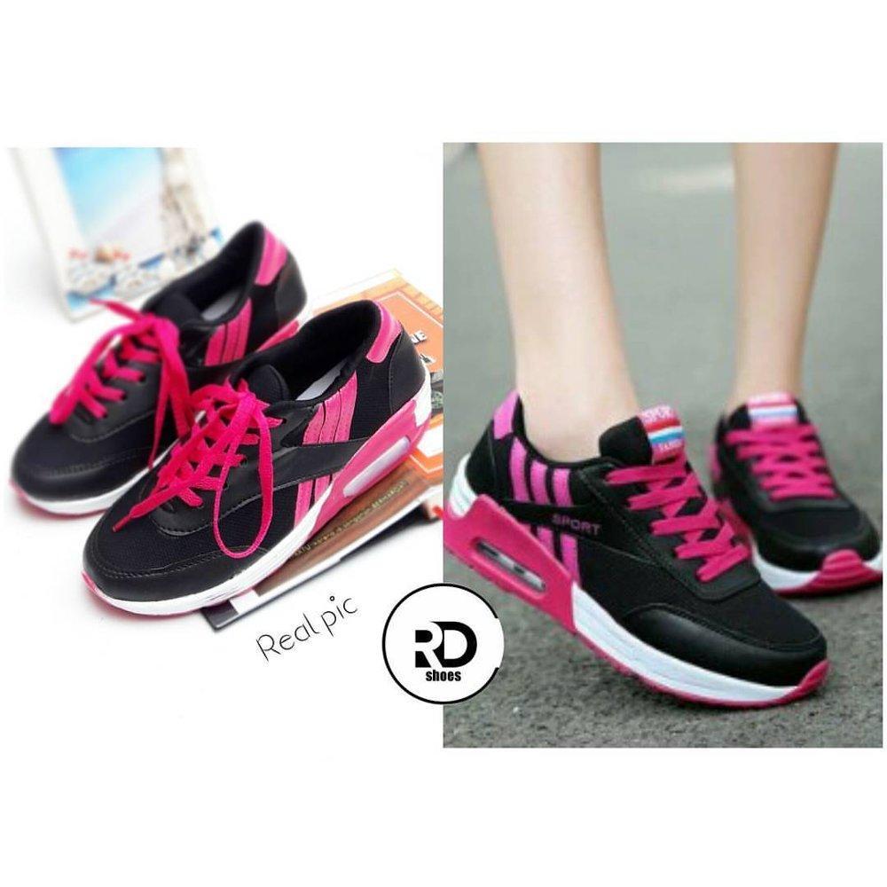 Sneakers Wanita Kets RD Shoes BlackPink Lazada Flash Sale 9fa571b92a