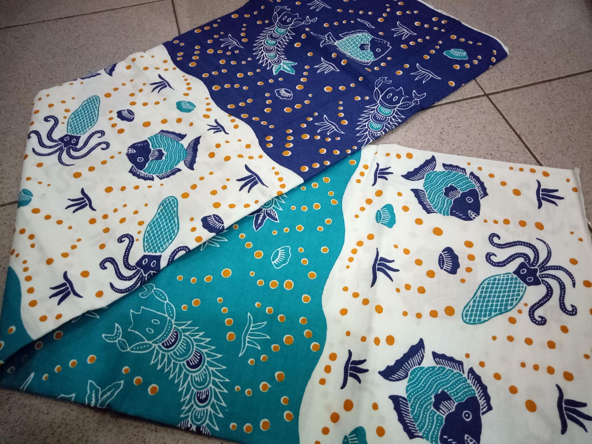 Kain batik motif ikan 3 dimensi biru