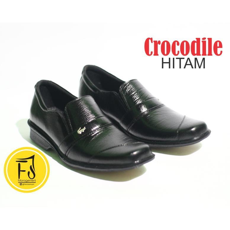 Sepatu Crocodile Asli Kulit Sapi Pantofel Formal Pria Kerja Kantor Warna  Hitam 11d1f0e064