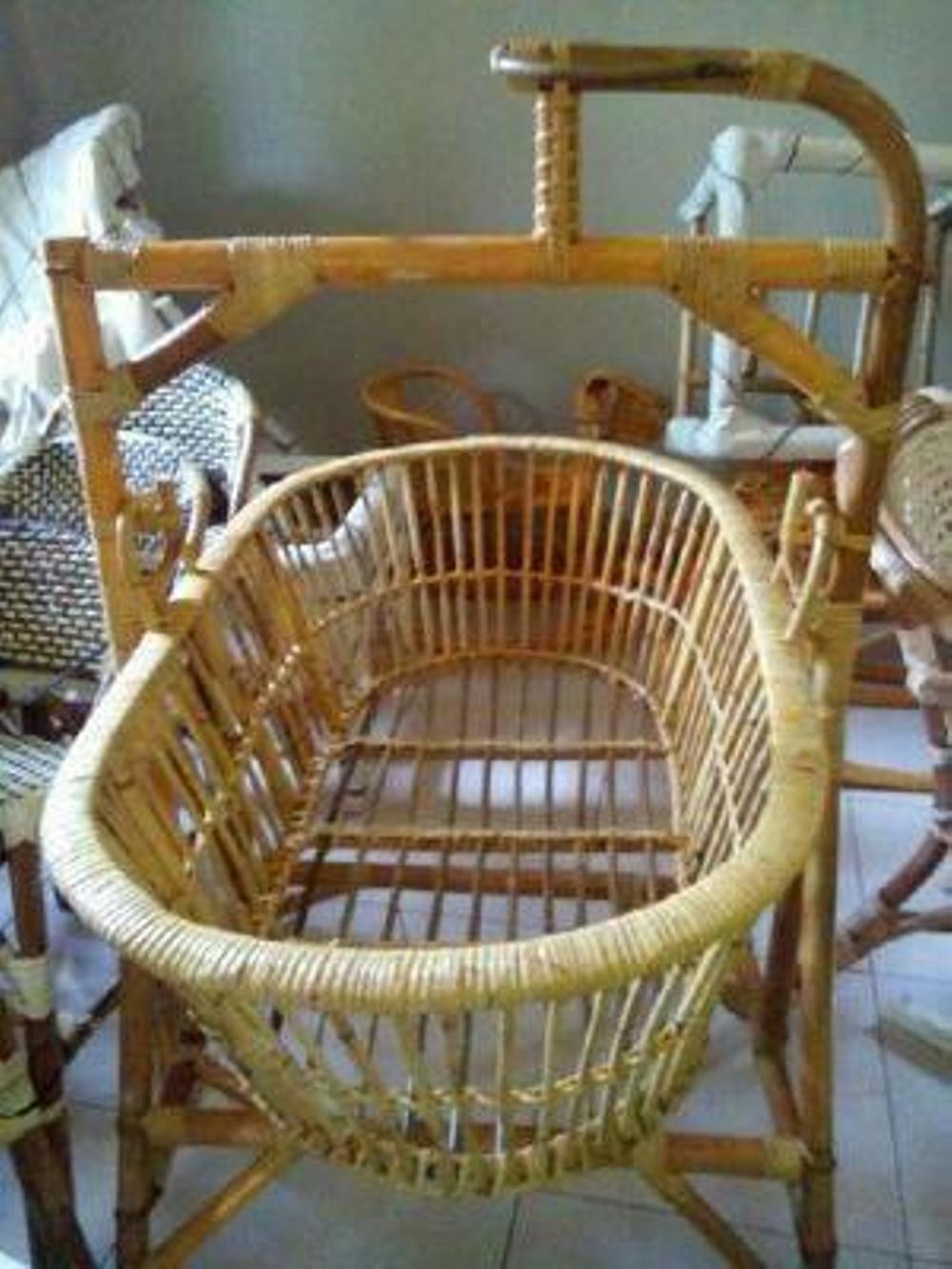 Ayunan Rotan   Ayunan Bayi   Tempat Tidur Ayunan Bayi 5b4be2748a