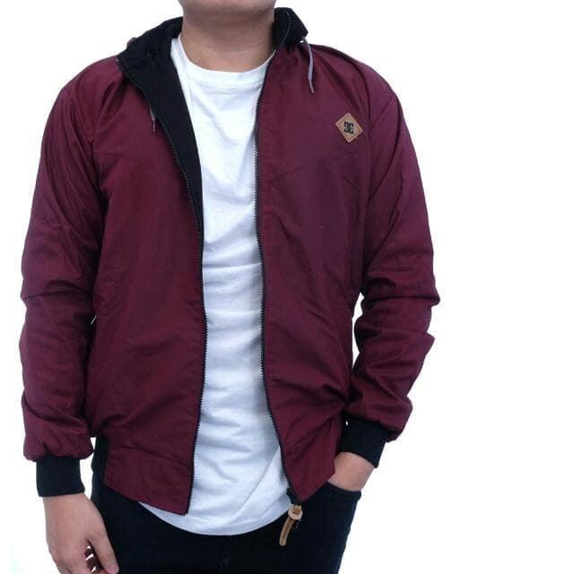 supplier kemeja pria jual jaket DC bilak balik merah maroon hitam keren dan murah
