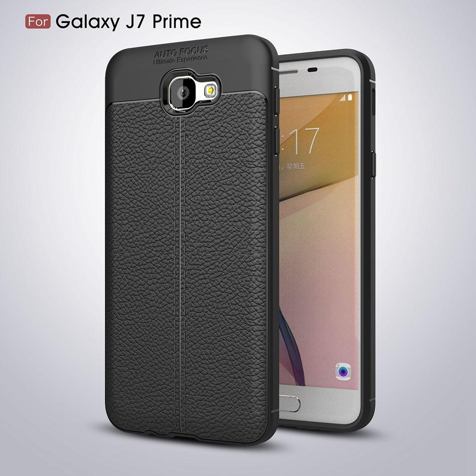 softcase Carbon Fiber Shockproof Hybrid Auto Focus for Samsung Galaxy J7 Prime - Hitam