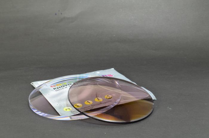 lensa photocromic photogrey kaca / transisi / berubah warna otomatis