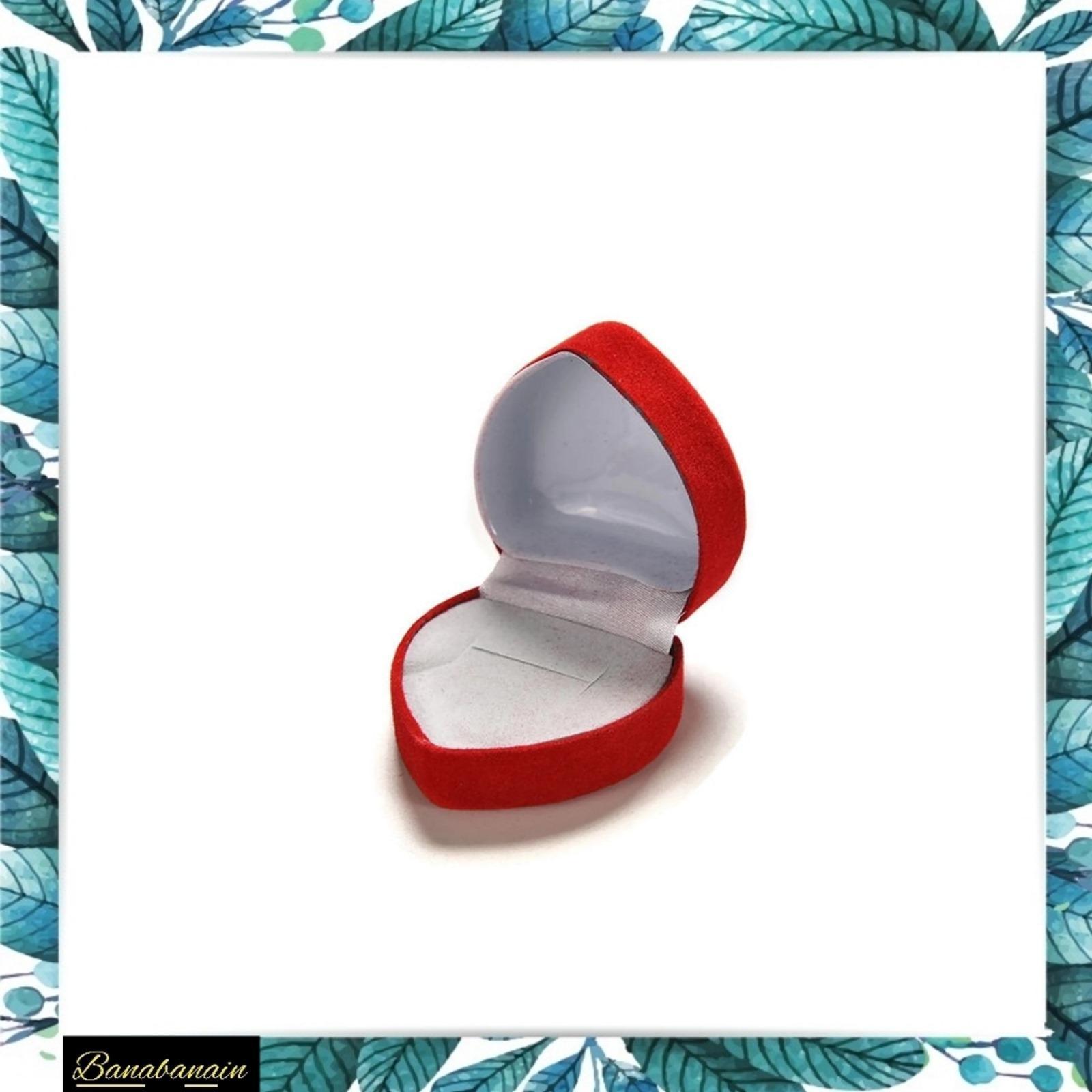 Kotak cincin Bludru merah Ring Box tempat cincin