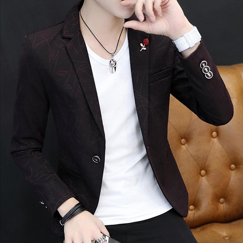 Pria musim semi dan musim gugur model baru Setelan jas kecil pria Gaya  Korea membentuk tubuh 50489174e9