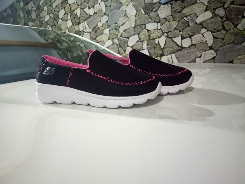 Sepatu Skecher Wanita Fashion Sepatu Wanita Terbaru - Daftar Harga ... ff9c8f55c3
