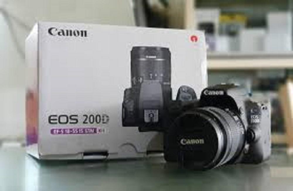 Canon EOS 200D Kit 18-55 STM - Hitam