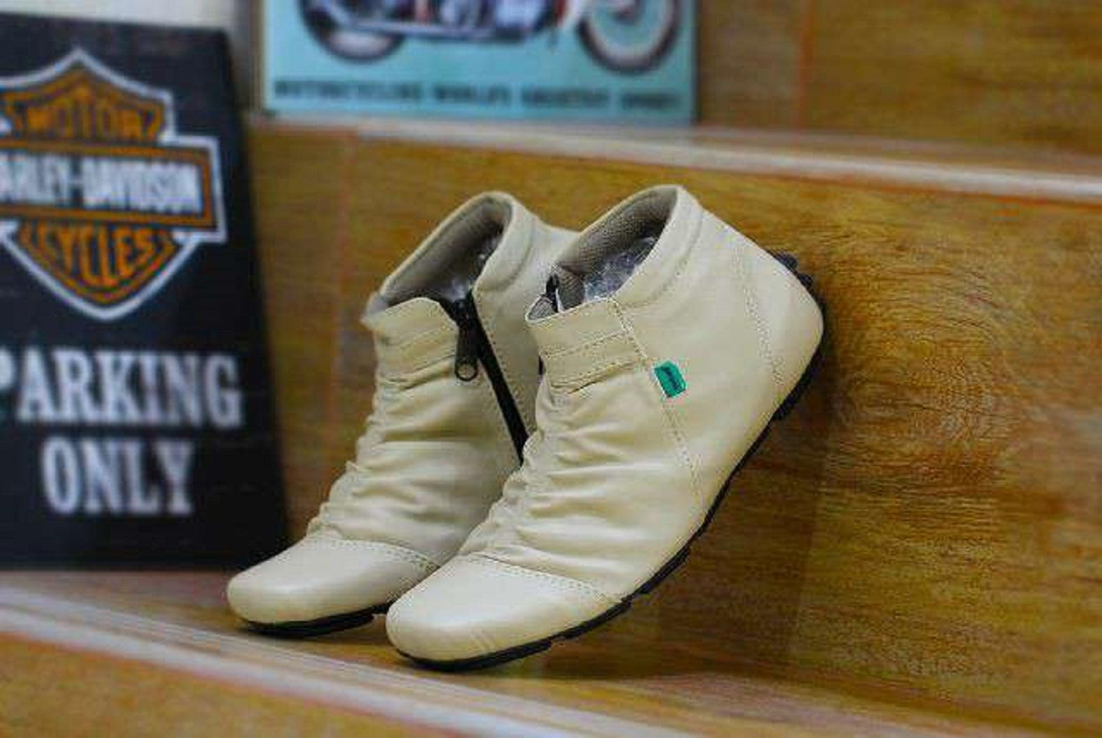 Sepatu Kickers (Pria) Terbaru  0f41fcfb9d