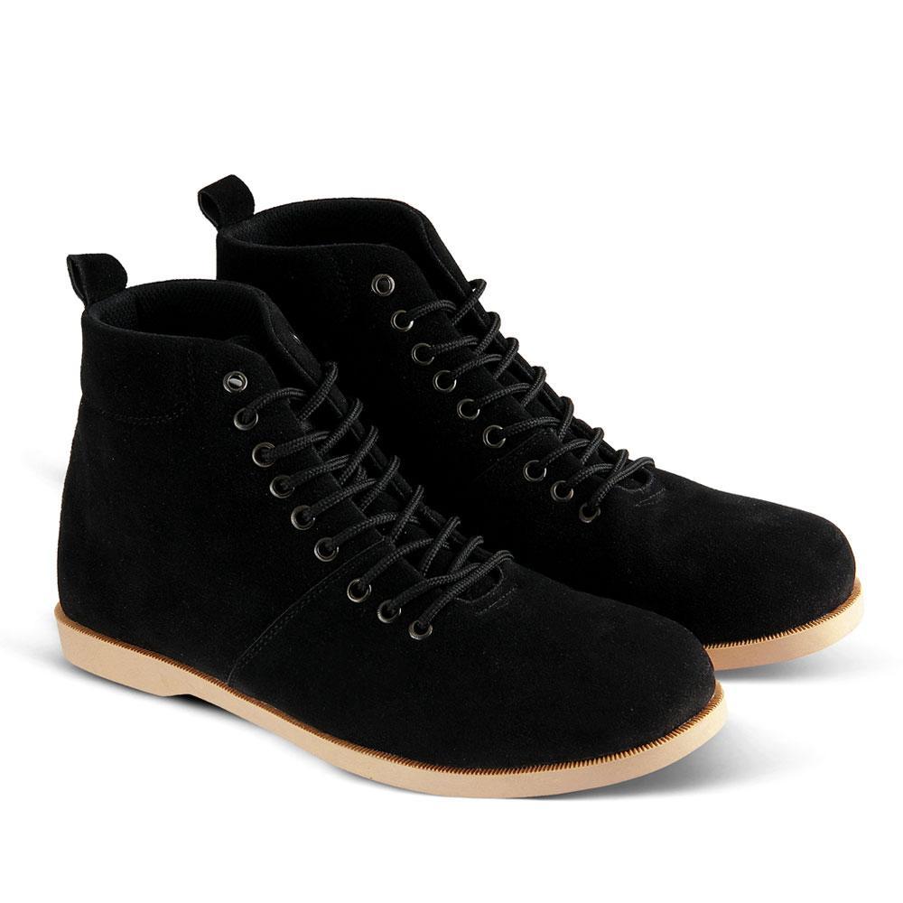 Sepatu Boots v 023 Sepatu Kasual Pria bisa untuk jalan santai sekolah  kuliah kerja 3b13a02ca5