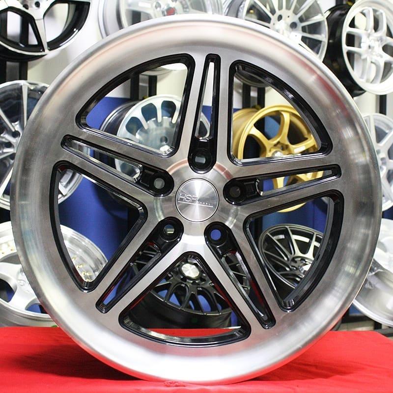 Velg Mobil Ring 18 HSR LC102 Racing Xpander Innova New ertiga terios